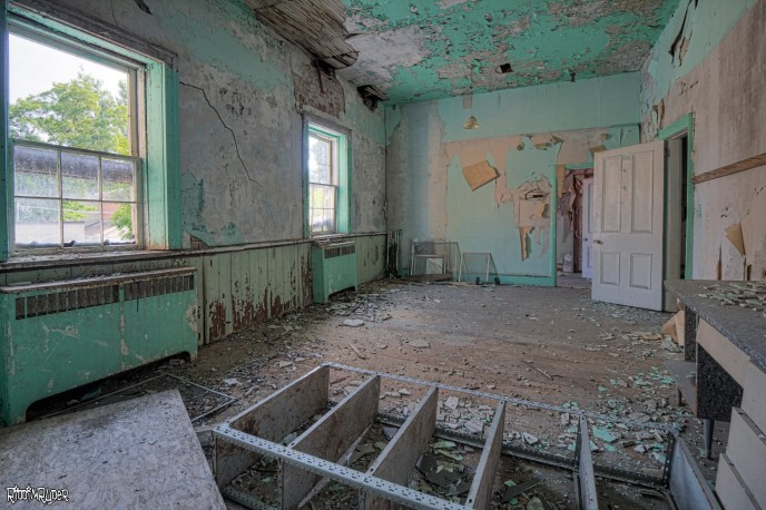 Big room in the Abandoned Hotel