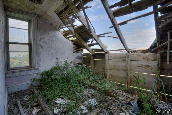 Decayed Room