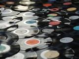 Table Basse Vintage | Romain sticks them around