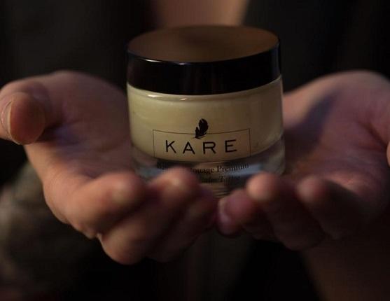Le baume Premium KARE : préservez votre tatouage.