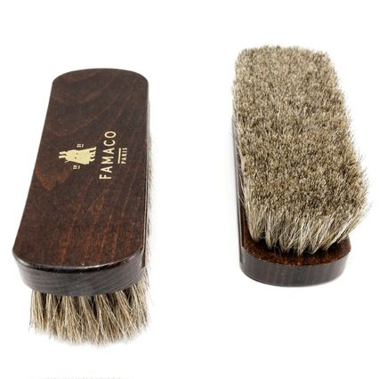 Entretien Blouson Cuir : brosse à reluire