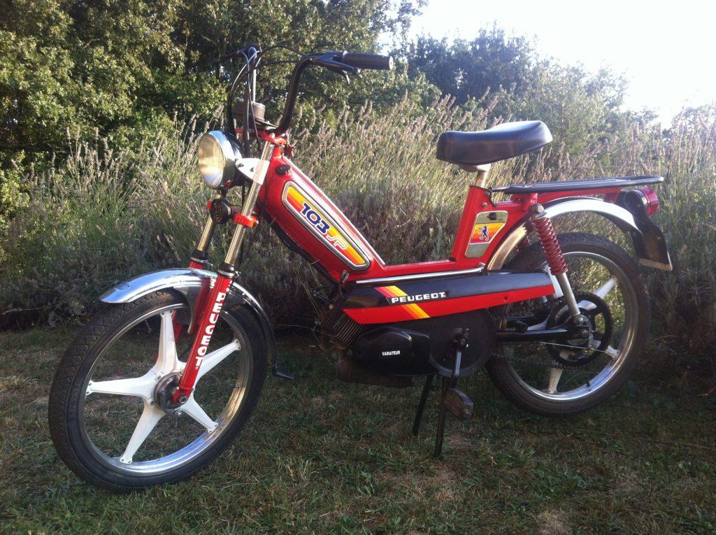 Un autre des objets cultes des années 80 : le cyclomoteur 103 SP Peugeot