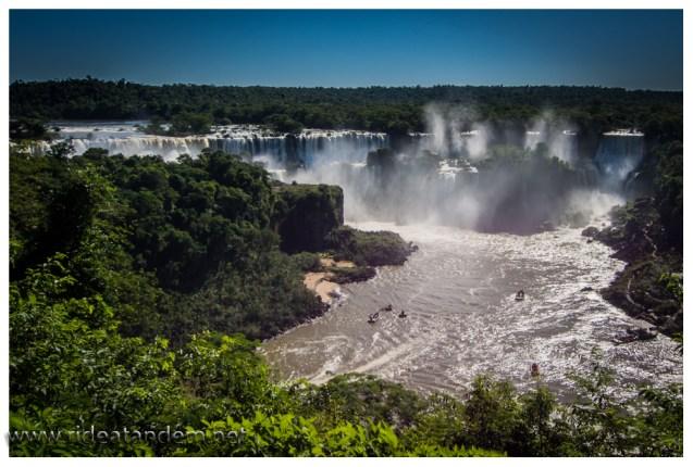Auf der brasilianischen Seite gibt deutlich mehr Panoramabilder als in Argentinien. Argentinien antwortet mit direkterem Erlebnis