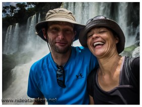 Wir sind im Fieber. Ich denke Iguazu eines der Orte mit der höchsten Selfie-Rate weltweit.