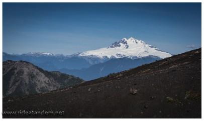 Auch die Ausblicke sind wunderschön. Vom Osorno aus können weitere Vulkane gesichtet werden, leider habe ich keine Ahnung wie die heissen. Schön sind sie trotzdem.