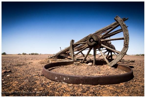 Und nicht nur Ruinen sind zu finden, auch alte andere Gegenstände. Wir sind überrascht das niemand das Holz der Räder verfeuert hat.