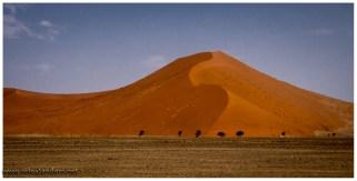 Eigentlich eine Salzpfann, wir suchen aber rote Dünen und finden sie auch