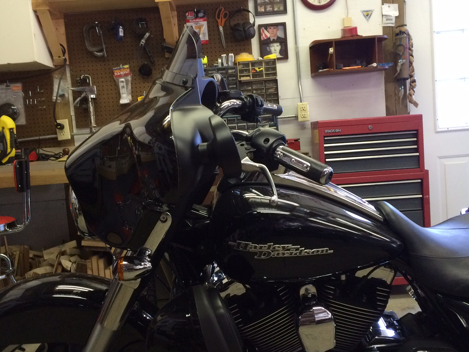 Kevin's 2013 Street Glide 14 inch Handlebar Install - Ride