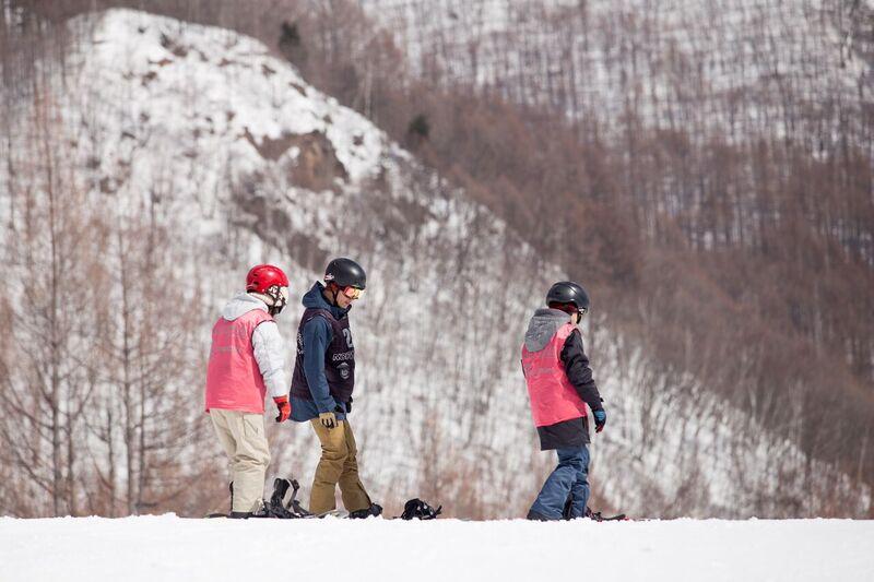 大人のスノーボード&スノーサーフスクール