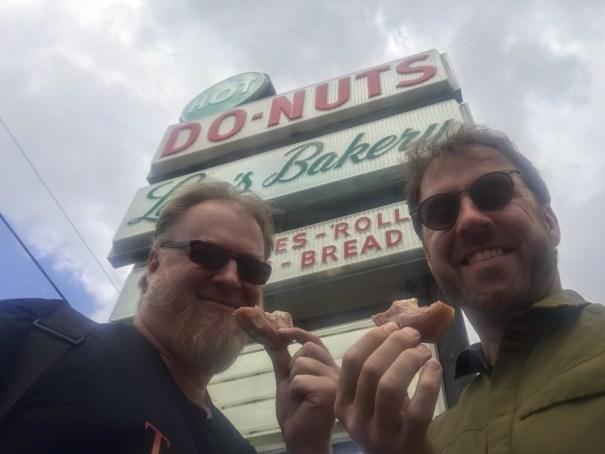 Long's Bakery & Donuts