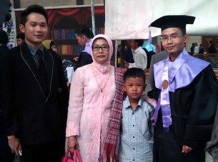 Wisuda Diploma III, Sarjana, Magister dan Doktor Universitas Gunadarma