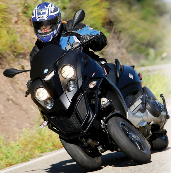 2008 Piaggio Mp3 500 Road Test Review Rider Magazine
