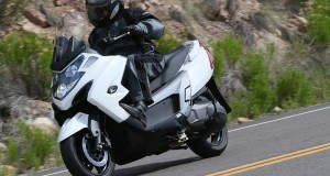 Kymco-MyRoad700-action-left