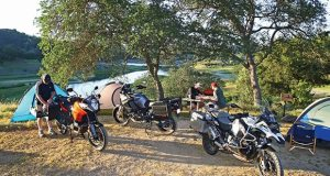 web-campinggroupshot