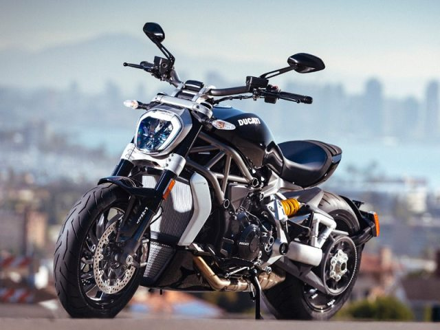 Although the XDiavel S adopts certain cruiser styling conventions, its LED daytime running light, stubby tail and single-sided swingarm make it clear this is still a Ducati.