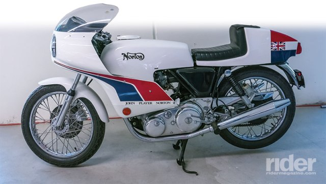1974 Norton Commando 850 John Player Replica.