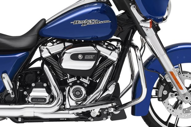 The Milwaukee-Eight 107's redesigned rocker covers and air cleaner cover give the Big Twin a fresh look. All-new Touring suspension includes the Showa Dual Bending Valve fork.