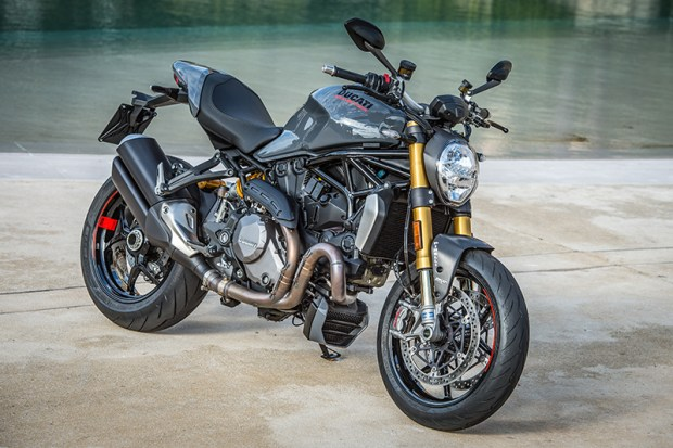 New for 2017 on the Ducati Monster 1200 S is Liquid Concrete Grey, a glossy, non-metallic paint option.