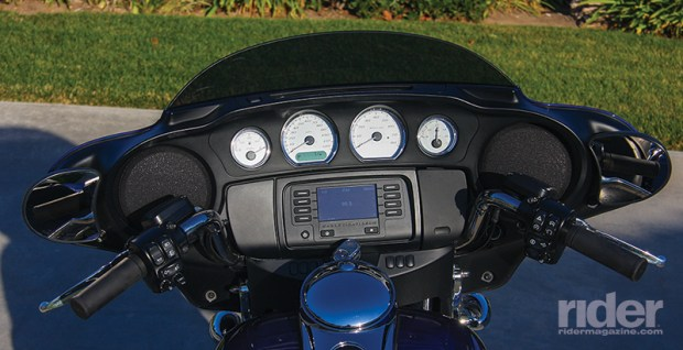 The Street Glide is equipped with the Boom! Box 4.3 audio system and Jukebox media compartment with USB port.
