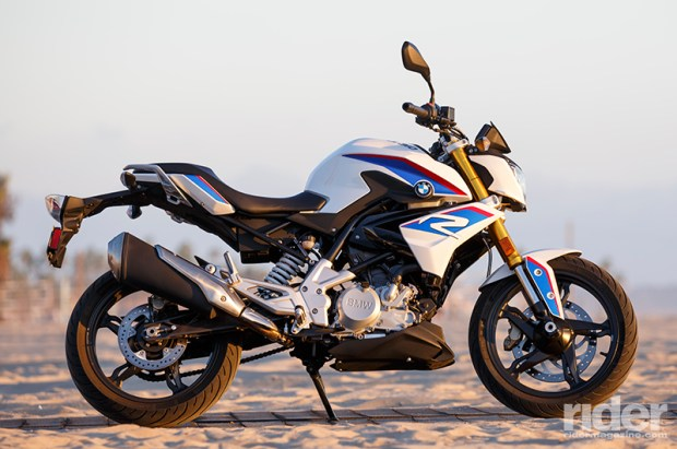 The 2017 BMW G 310 R in its beach bikini photo shoot.