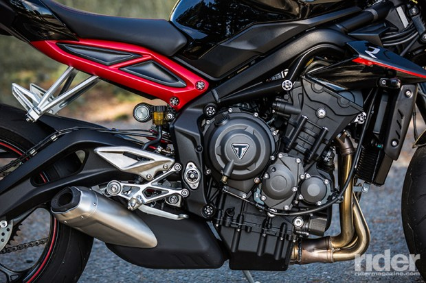 The 2017 Triumph Street Triples feature a new 765cc engine derived from the Daytona.