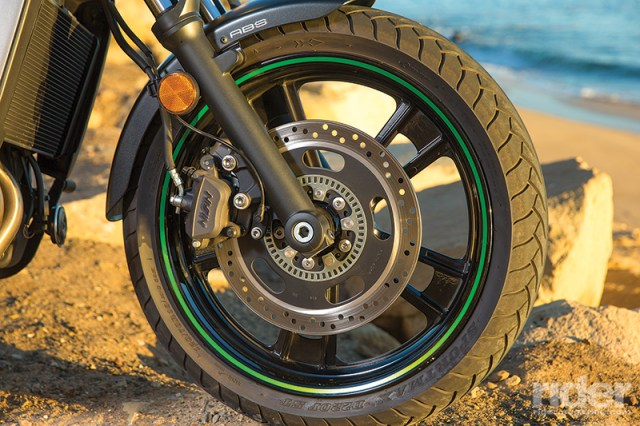 Kawasaki Vulcan S Cafe brakes