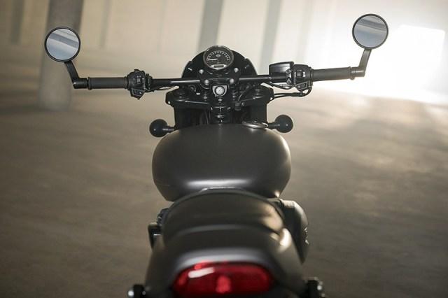 2017 Harley-Davidson Street Rod cockpit