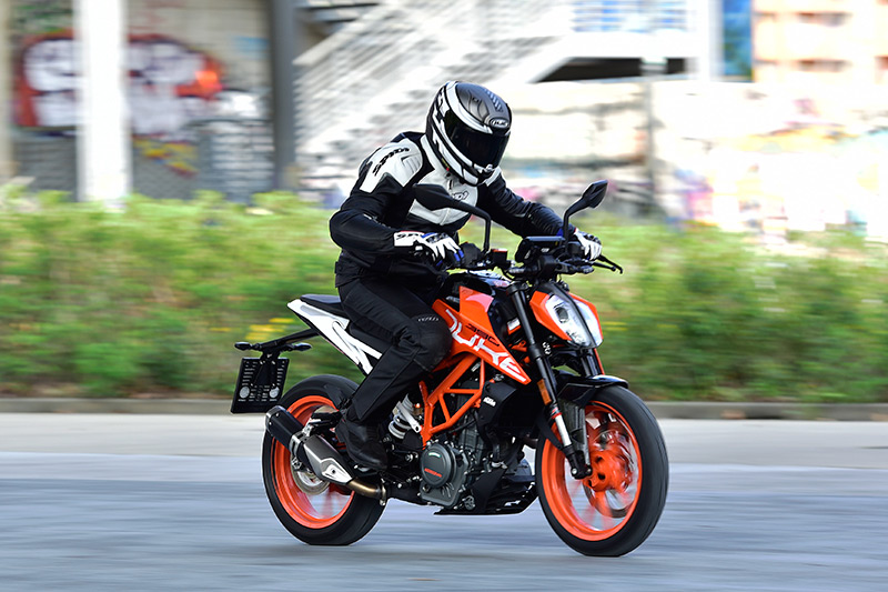 2018 ktm 690 duke. fine ktm 2017 ktm 690 duke action intended 2018 ktm duke