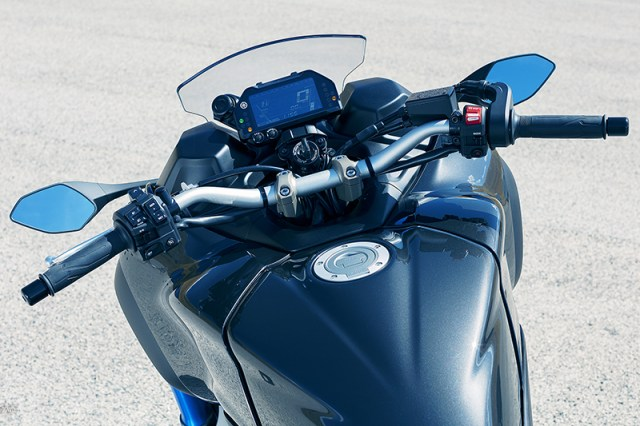 2019 Yamaha Niken cockpit