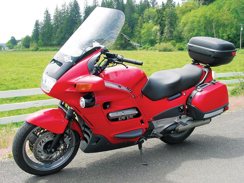 great used bikes 1991 2004 honda st1100 rider magazine. Black Bedroom Furniture Sets. Home Design Ideas