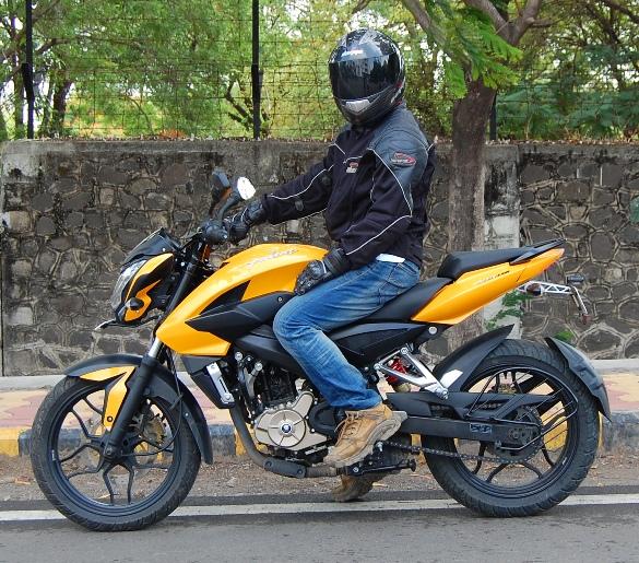 PULSAR-200NS 2wheelsindia