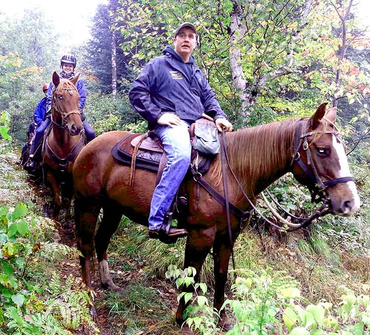 Trail riding. Cabin rental. Western & English riding Stable near Algonquin Park Ontario. Full Service Equestrian Programs, close to Toronto, Ottawa, Barrie, Orillia, Kingston, and Ottawa Ontario.