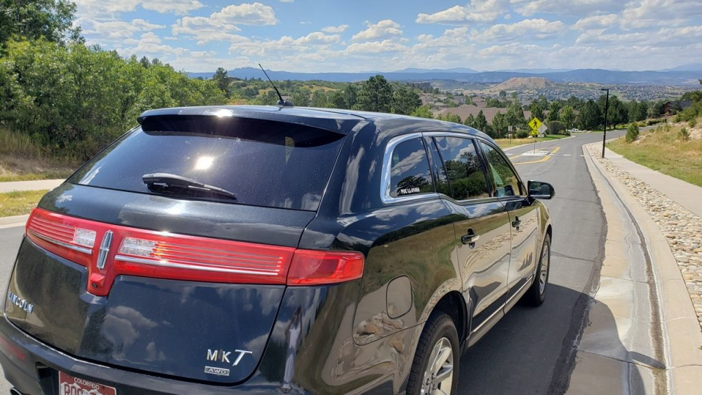 Lincoln town car at Castle Rock, 2019 ride to DIA from Castle Rock