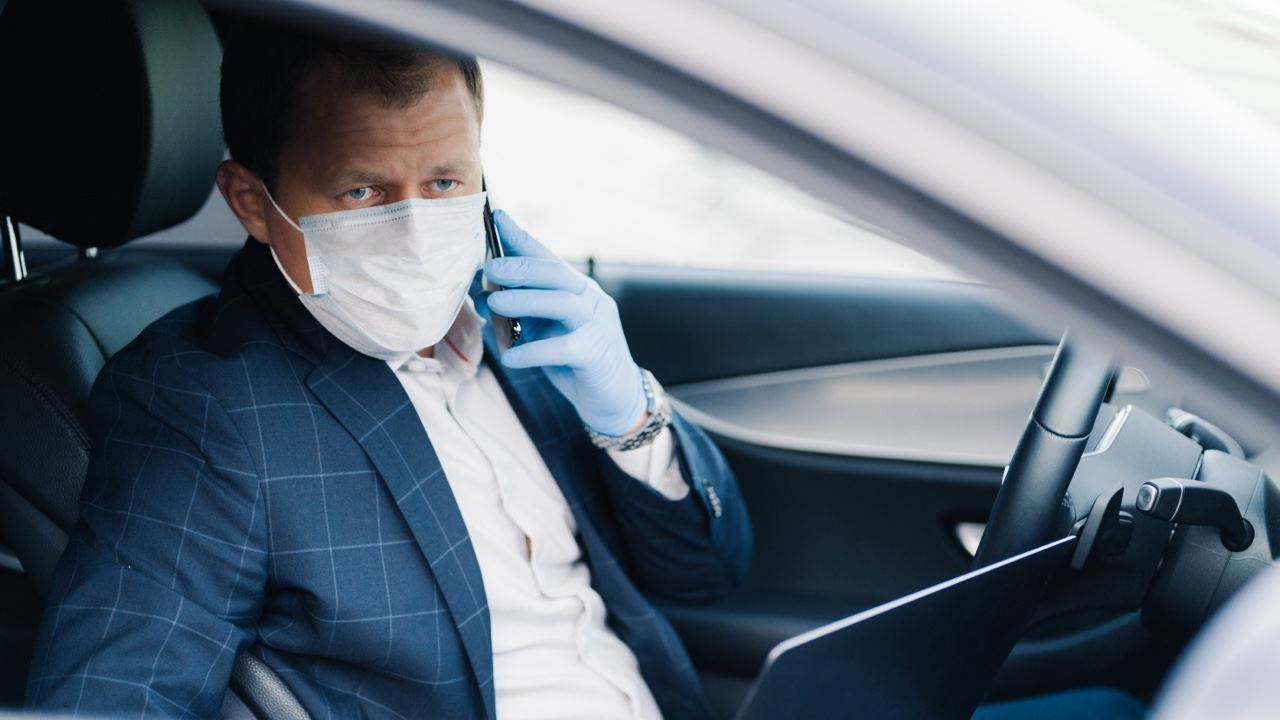 Chauffeur with mask
