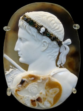 Cameo_August_BM_Gem3577- web