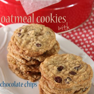 Oatmeal Cookies with Chocolate Chips or Raisins