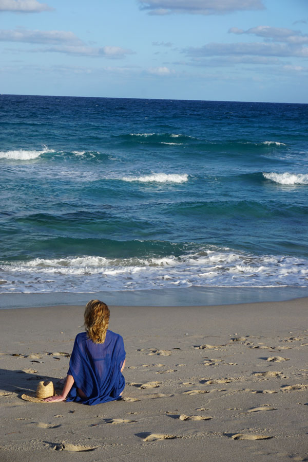 Ridgely Brode enjoys the last evening of 2016 at the beach wearing a beautiful blue gauze poncho on her blog Ridgely's Radar