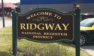 Welcome to Ridgway sign