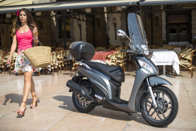 Kymco People One 125i on Ridin