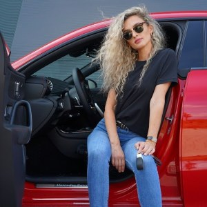 Nina Weizenecker & Mercedes-Benz CLA on Ridin'GirlsBlog