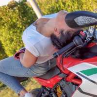 Photoshoot of the Week: January 20th-26th 2020 - Ducati Supersport & Jana