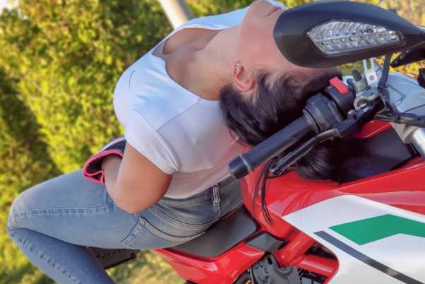 Ducati Supersport & Jana http://ridingirls.org/wp-content/uploads/2020/01/01826.jpgon Ridin'GirlsBlog