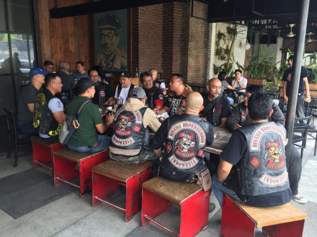 Pertemuan Satu Darah MC, BB1% MC ,Black Angels MC, MMC Outsiders MC,Paschell MC, Road Eagle MC, ISHD, Rebel Bastard MC HANG OUT SILATURAHMI KLUB-KLUB NGOBROL SANTAI JUGA PENTING By Isfandiari MD
