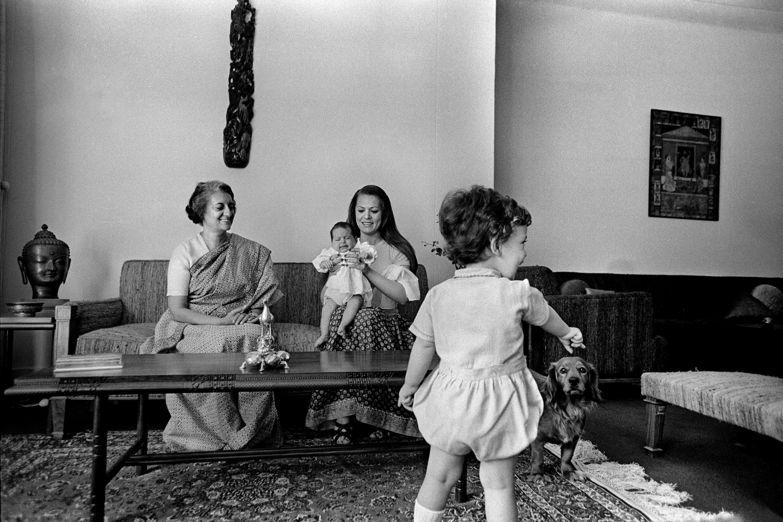 Indira Gandhi with daughter-in-law Sonia and grandchildren Priyanka and Rahul - photograph by Raghu Rai