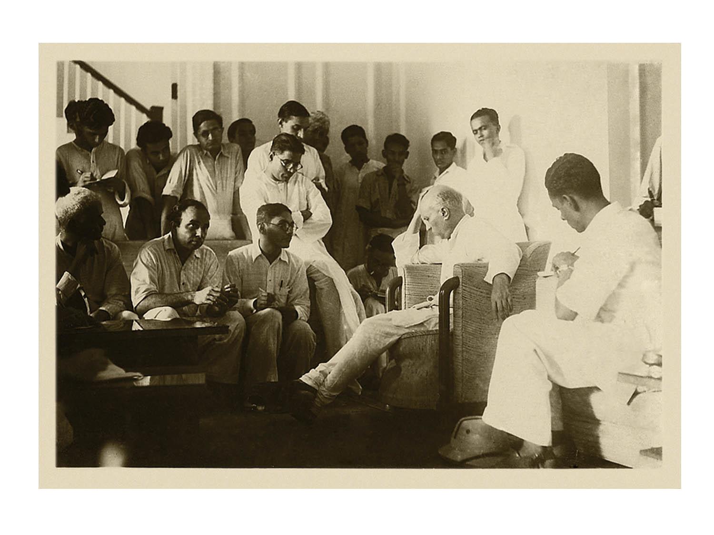 Jawaharlal Nehru with reporters