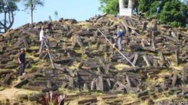 Gunung Padang Piramida 06