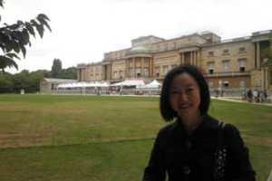 夏のバッキンガム宮殿&10ポンドランチ
