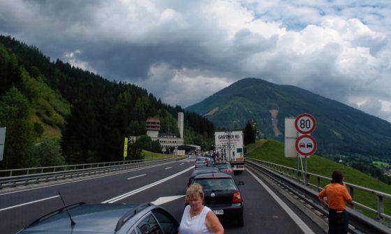 File voor een Oostenrijkse tunnel