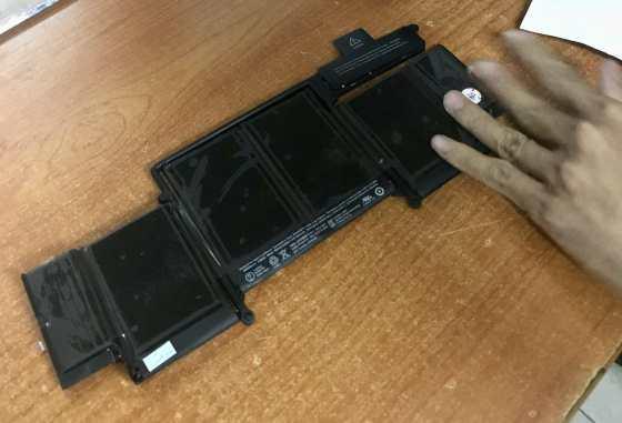 47 dollar Macbook Pro battery