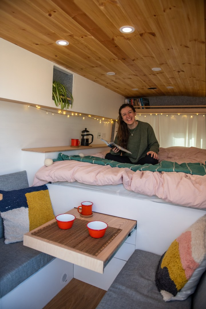 Slide out table in an rv